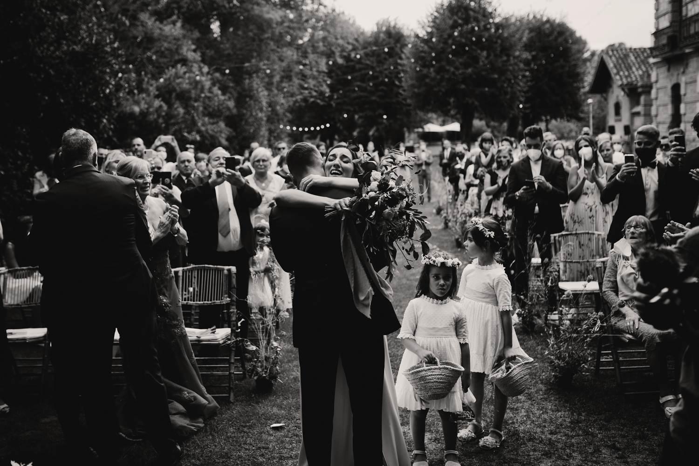fotografía de boda blanco y negro